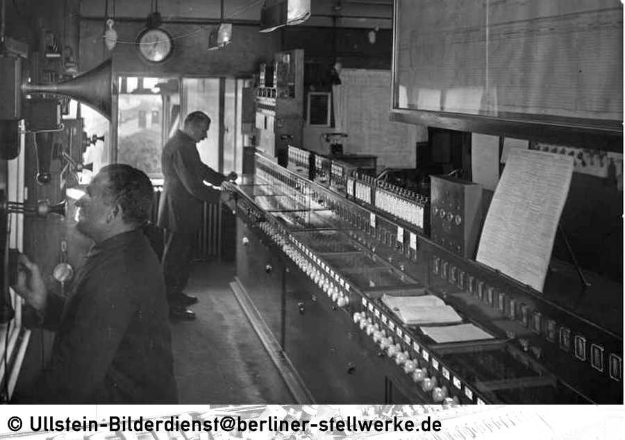 Stellwerk_Abf_1930_Ullstein-Bild