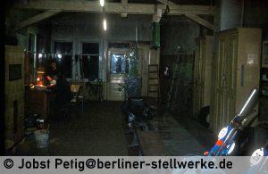 Das Foto läßt die ursprünglichen Ausmaße der Hebelbank erahnen.  3. März 1990 . Foto Jobst Petig