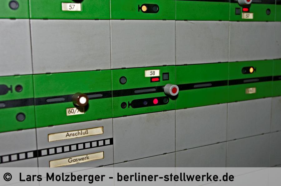 Der Melder unter der Signalbezeichung 58 überwacht die Fahrsperre. 10. Juni 2010. Foto Lars Molzberger