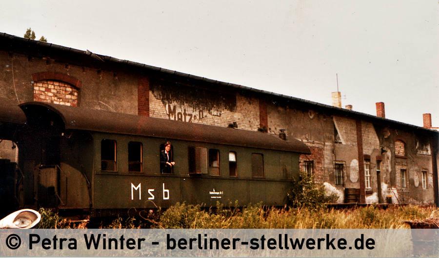 Petra Winter im Behelfsstellwerk Msb. Ca 1980 Foto Petra Winter