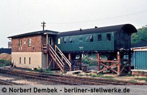 Für die Umbauarbeiten war ein Behelfsstellwerk nötig, das direkt am Stellwerk Mf angeschlossen war. 1980 Norbert Dembek