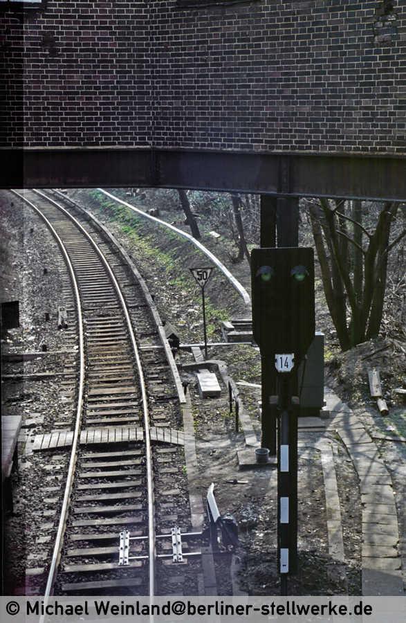 1984 war das Signal 14 kein Ausfahrsignal mehr wie man am Mastschild eindeutig erkennnen kann. Foto Michael Weinland