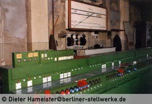Hier sehen Sie fast die gesamte Länge des Block- und Hebelwerks Ntm. Foto 1986 Dieter Hameister