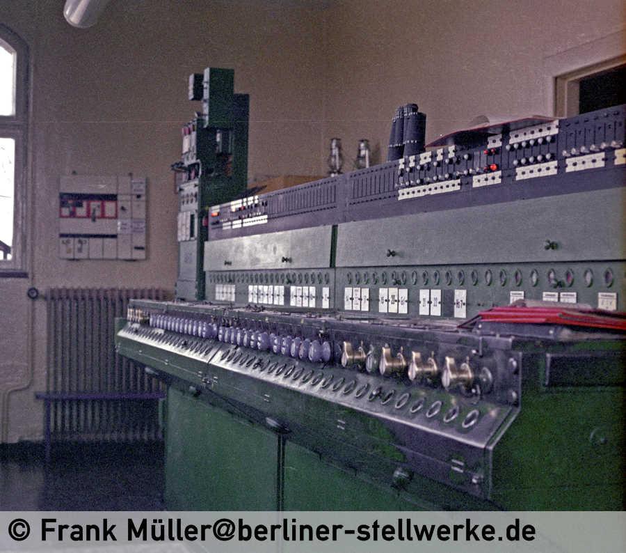 FM_1982-03-07_04-035_Neg01