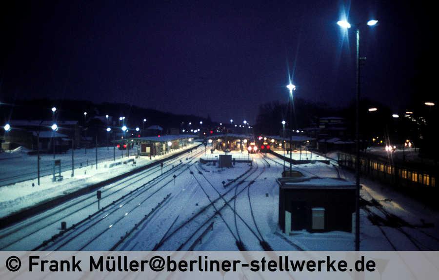 FM_1985-02_38-001_Neg