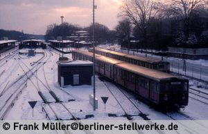 FM_1985-02_38-004_Neg