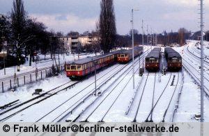 FM_1985-02_38-005_Neg